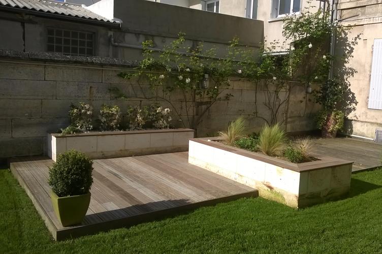 Paysagiste jardin en ville angoul me engazonnement terrasse plantation - Terrasse et jardin en ville montpellier ...